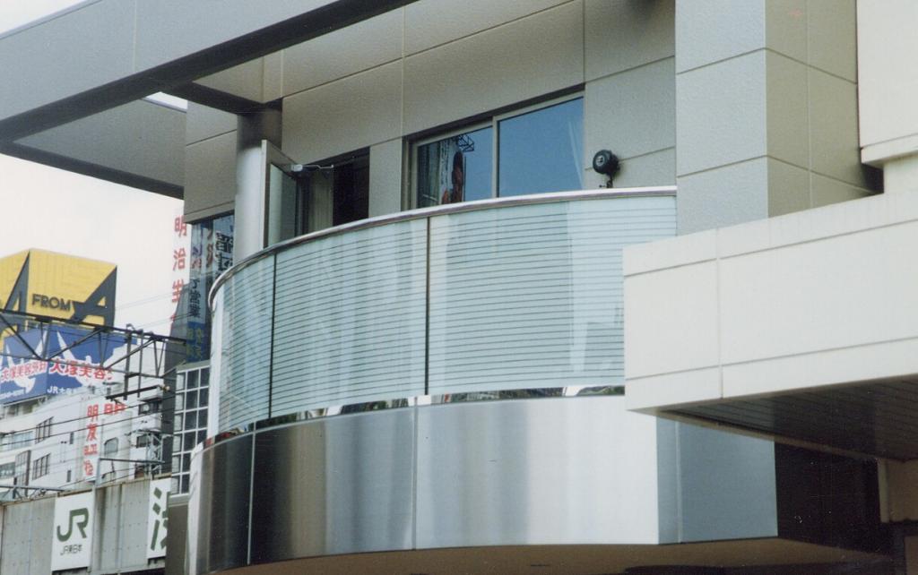 balcony-in-japan