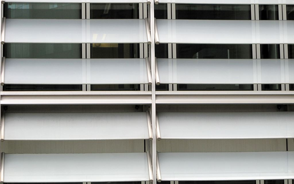 berlaymont-european-commission-brussels-modern-architecture-louvres